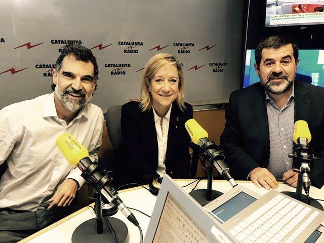 Jordi Cuixart (Òmnium), Neus Lloveras (AMI) y Jordi Sànchez (ANC)