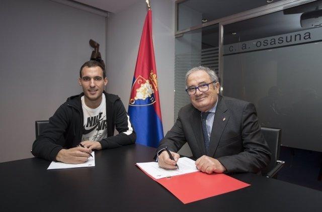 Unai García renueva con Osasuna hasta 2019