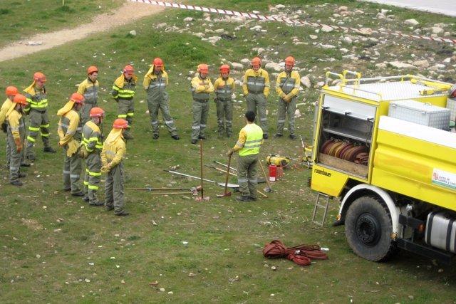 Prácticas de brigadas en el Centro para la Defensa del Fuego