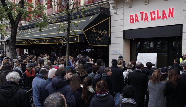 Actos de homenaje en París.