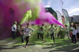 Unas 2.000 personas participan en Jaén en la Unicaja Color Road