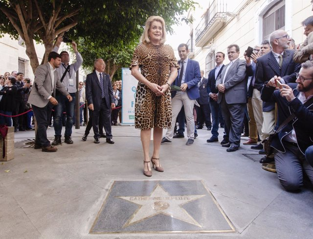 """Catherine Deneuve: """"Almería es una leyenda del cine y estoy muy contenta de esta estrella"""""""