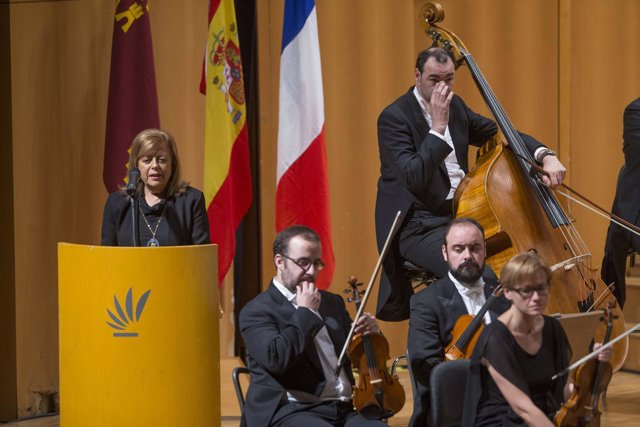 Concierto homenaje a las víctimas de los atentados de Parí