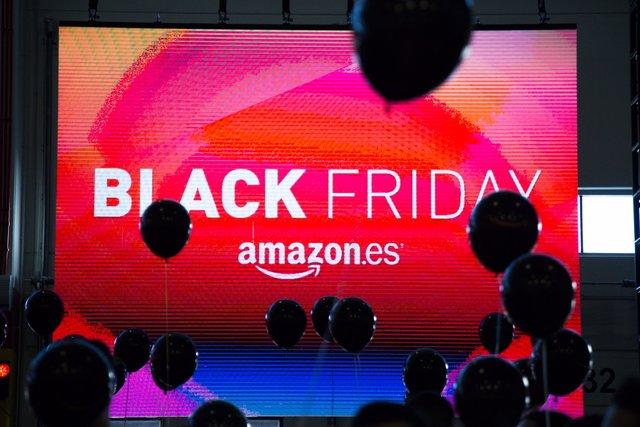 ddd2bac88 Amazon se adelanta once dias al 'Black Friday' con más de 10.000 ofertas y  descuentos de hasta el 40%