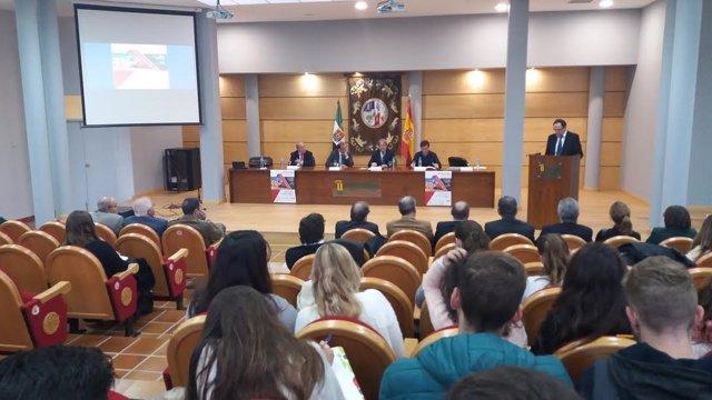Jornadas sobre diputaciones provinciales en Cáceres