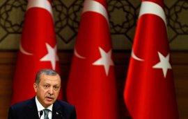 Erdogan amenaza con someter a referéndum las negociaciones con la UE