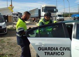 La Guardia Civil detiene a un camionero en Santomera que superaba cinco veces la tasa de alcoholemia