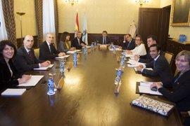 Feijóo repasa con su gabinete en el primer Consello sus compromisos de investidura