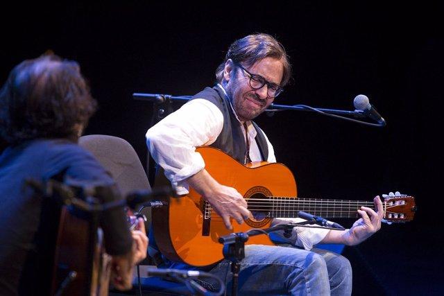 Concierto Del Guitarrista Al Di Meola En El Teatro Cervantes.