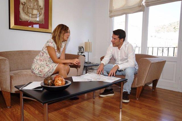 Óscar Medina Y Sandra Extremera, Alcalde Y Concejala De Torrox (Málaga)