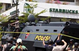 España condena el ataque contra una iglesia en Indonesia en el que ha muerto una niña de tres años