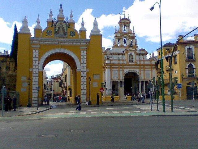 Basílica De La Macarena