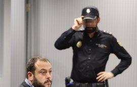 Absuelven al concejal de Madrid Guillermo Zapata por el tuit sobre Irene Villa