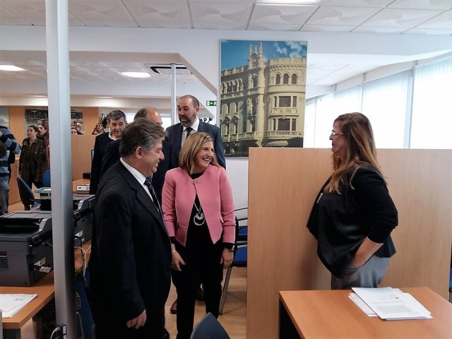 Diputaci n y ayuntamiento algeciras valoran la oficina del for Oficina endesa algeciras
