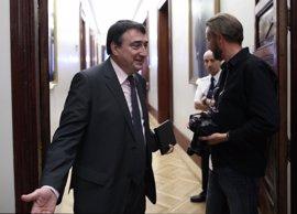 AMPL.- Santamaría se reúne este martes con el portavoz del PNV para hablar de Presupuestos