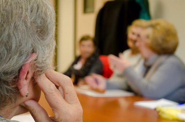 Jubilados pensando, pensar, personas mayores, universidad de mayores