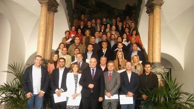 Ruiz (centro), junto a alcaldes de los municipios beneficiarios