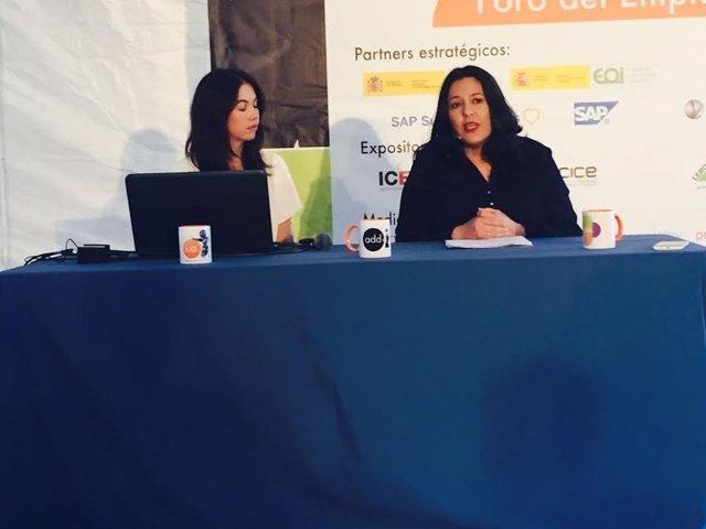 Amo (izda.) en la III Feria del Empleo en la Era Digital