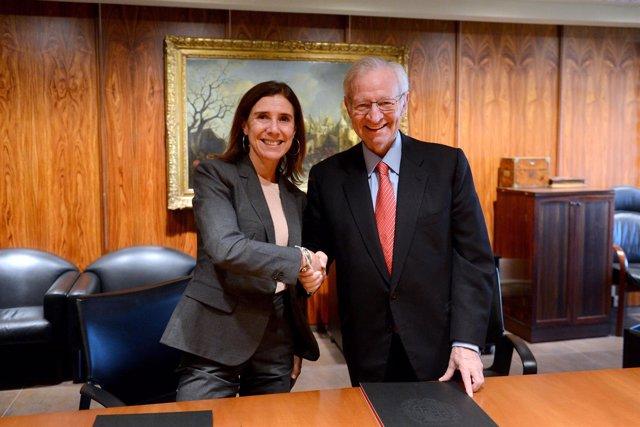 Teresa M. Pitarch (ICD) y Miquel Valls (Cámara de Barcelona)