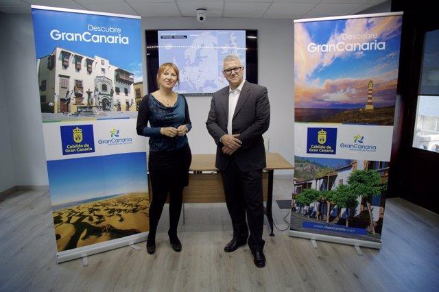 Inés Jiménez (Cabildo de Gran Canaria) y José Espartero (Ryanair)