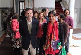 Podemos e IU se reúnen con la comunidad educativa para ver la reforma de Ley de Educación