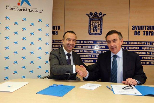 Marqueta y Beamonte, tras firmar el acuerdo en el Ayuntamiento de Tarazona
