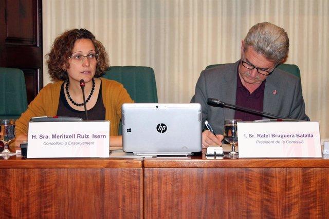 La consellera M.Ruiz en el Parlament