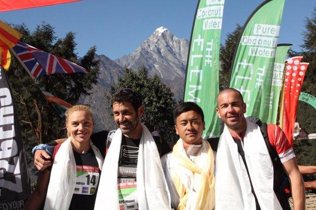 El atleta español Miquel Capó, el segundo por la izquierda