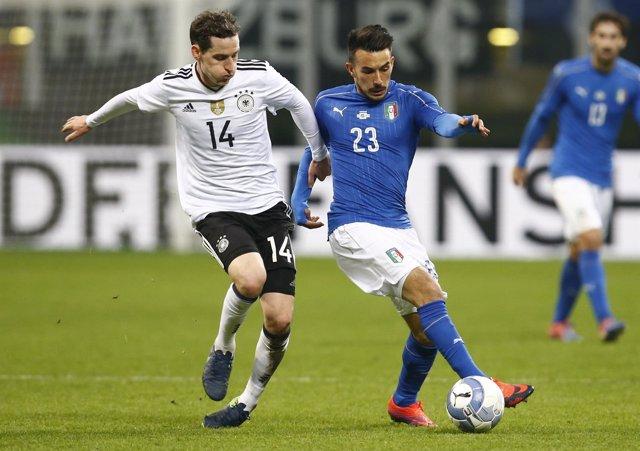 Italia y Alemania empatan en un partido amistoso