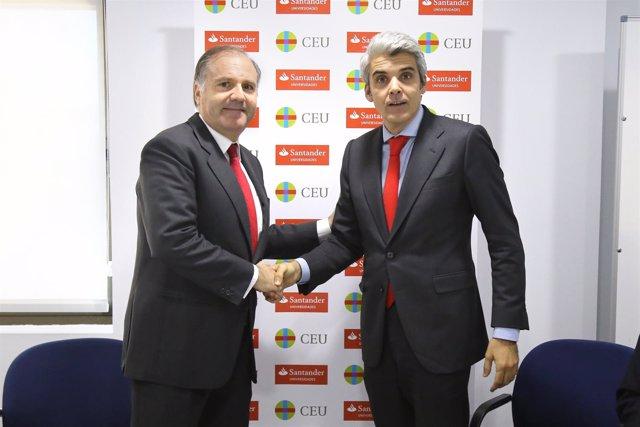 Pedro Alonso Gil, de Santander Universidades, y José Luis Gullén, de CEU