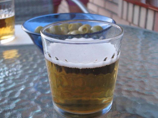 Cerveza y aceirtunas