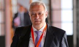 Ángel Ojeda llega para comparecer en la comisión de formación