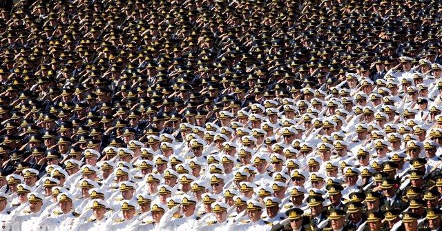Soldados turcos en un acto en el Día de la Victoria