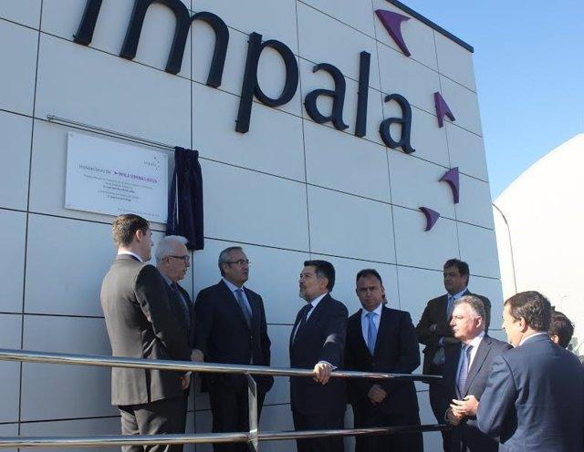 Inauguración del centro de Impala en el puerto de Huelva.