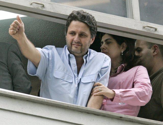 El ex gobernador de Río Anthony Garotinho y su mujer