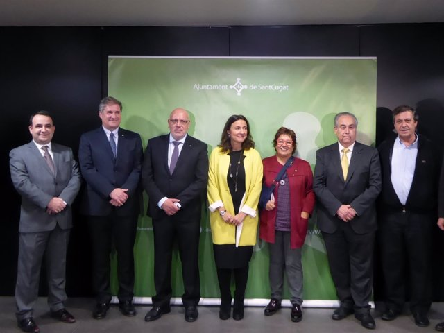 Jordi Baiget, Mercè Conesa y Dolors Bassa, en el centro