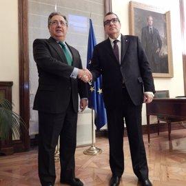 """Interior destaca el """"clima altamente positivo"""" del primer encuentro de Zoido con el conseller catalán Jordi Jané"""