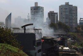 """Kuczynski ordena una """"profunda investigación"""" del incendio en un centro comercial de Lima"""