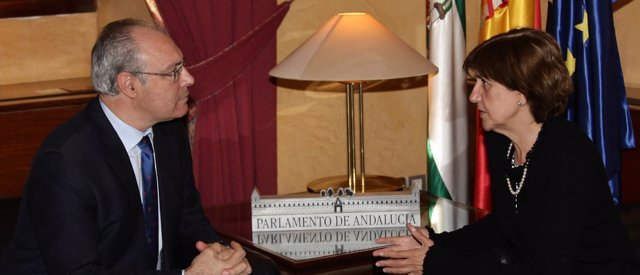 El presidente del Parlamento andaluz recibe a la presidenta del CAA