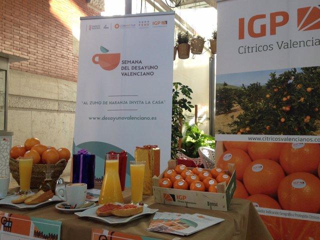 Tradicional desayuno valenciano que incluye zumo de naranja
