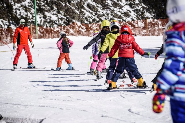 Vallnord, esquí, niños, escuela de esquí, Andorra