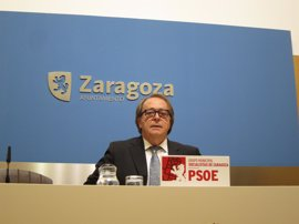 "Pérez Anadón (PSOE) dice que Santisteve ha batido varios ""récords"" en su discurso"