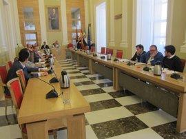 PSOE y Cáceres Tú abandonan el Pleno extraordinario sobre el Plan de Empleo Social como motivo de protesta