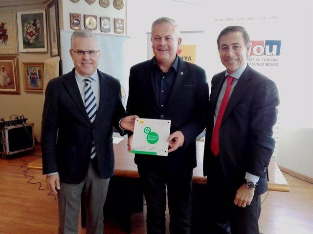 La ACT entrega el sello de turismo deportivo al Club Náutico de Salou