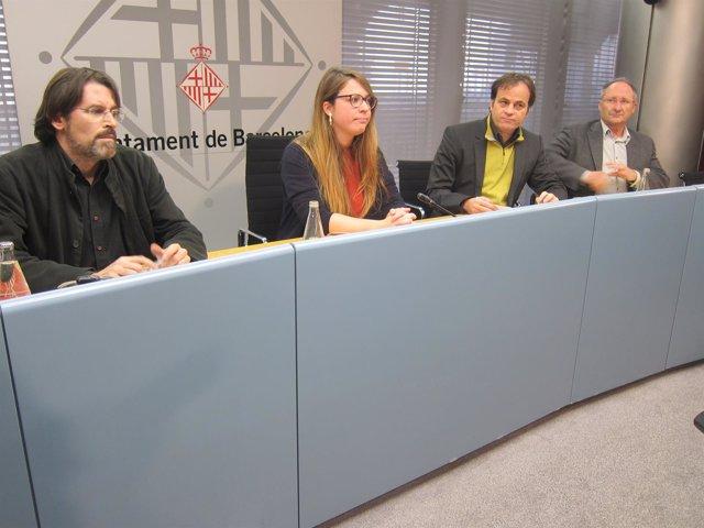 Los tenientes de alcalde J.Sanz y J.Asens; el comisionado Frederic Ximen