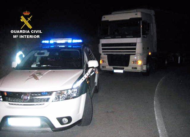 La Guardia Civil Intercepta A Un Camionero En Jumilla Que Conducía Bajo Los Efec