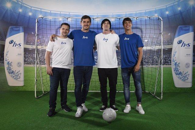 Iker Casillas y Óliver Torres en el reto H&S