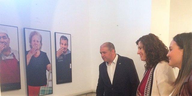 Exposición 'Un beso para la corresponsabilidad'