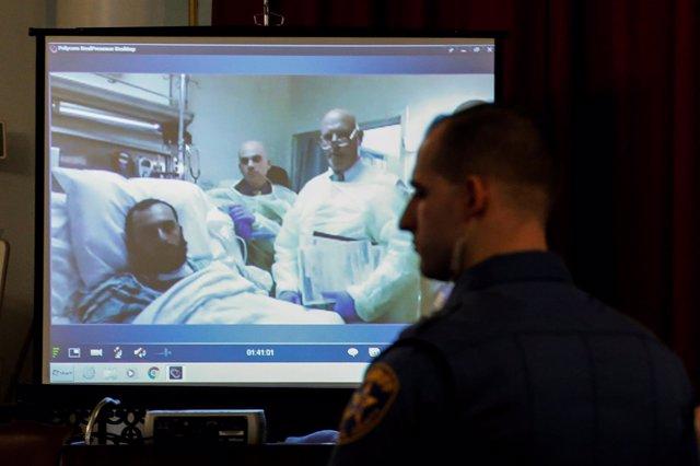 Ahmad Khan Rahimi, acusado de explotar una bomba en Nueva York, durante su juici