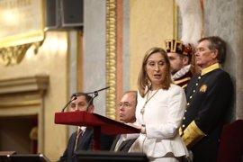 Ana Pastor dice que a Pablo Iglesias le disgustó el despliegue de la bandera republicana